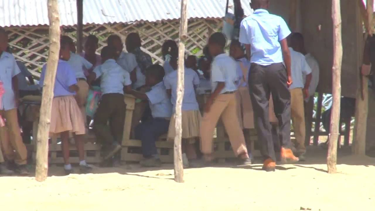 Alguns momentos na escola no Haiti