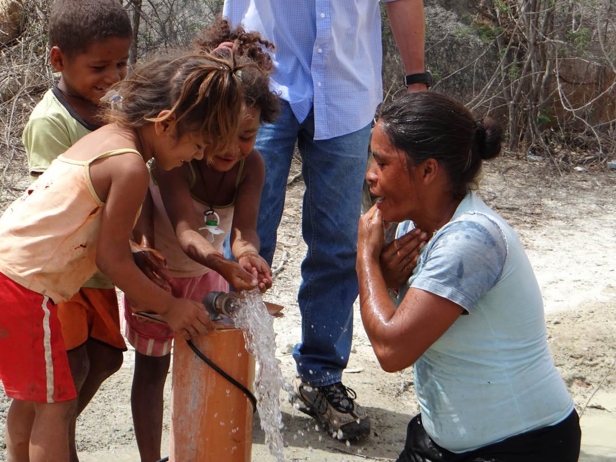 Gideões perfura o primeiro poço artesiano na serra bonita no sertão da Paraíba