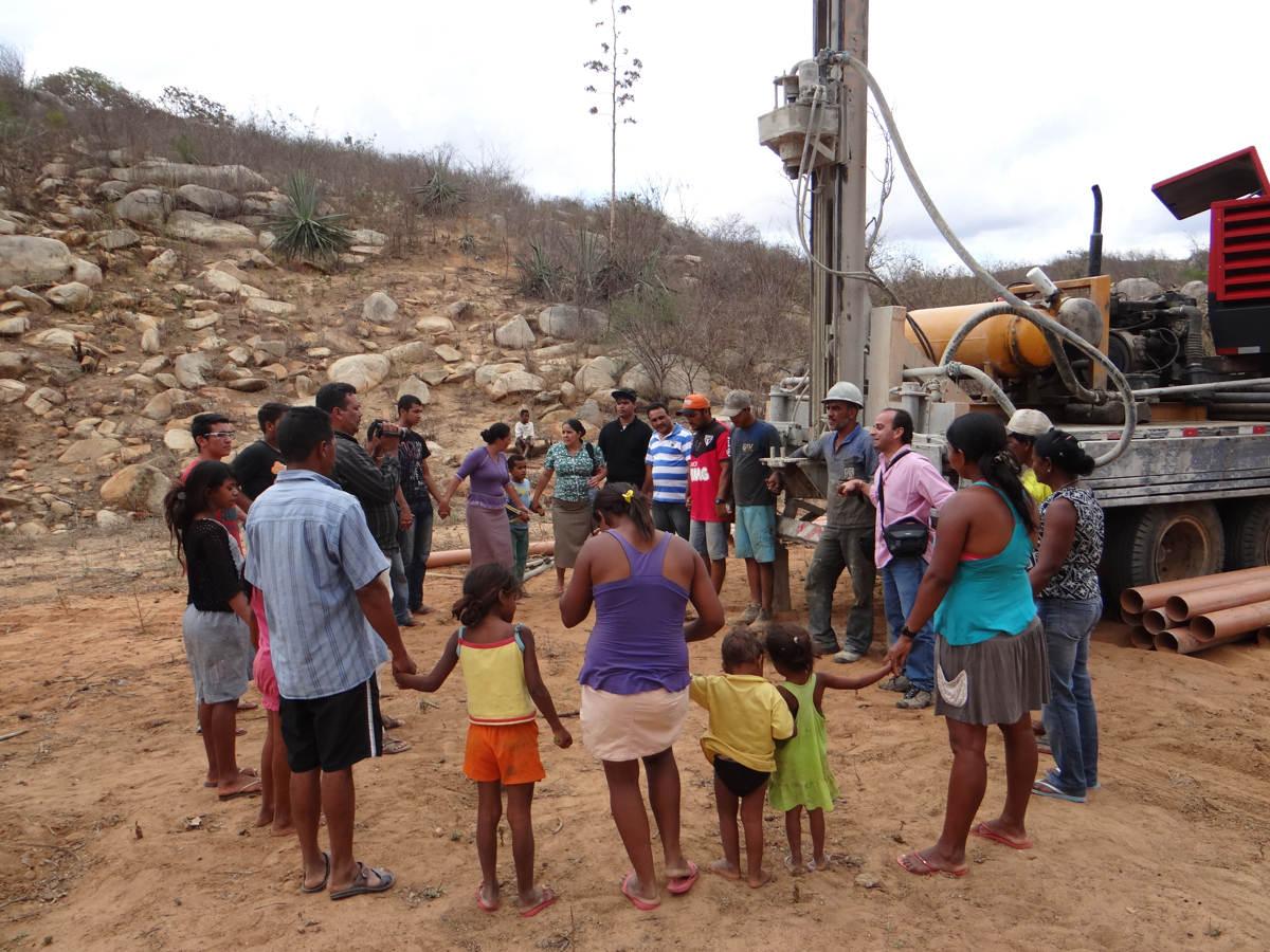 Gideões perfura o segundo poço artesiano na serra bonita no sertão da Paraíba