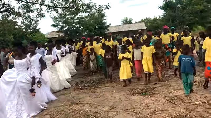 Gideões realizam o 2º casamento coletivo em Moçambique
