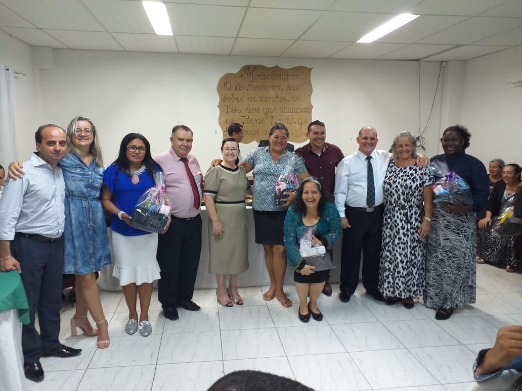 Gideões realiza coquetel para seu missionários