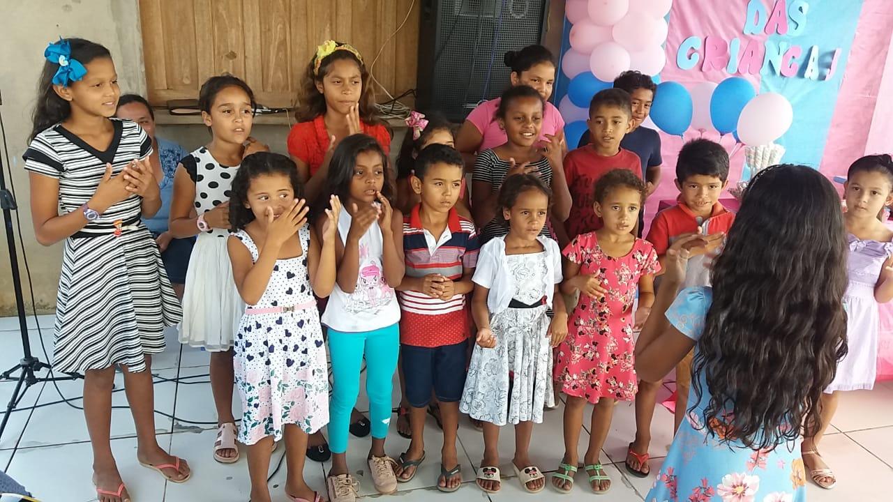 Evangelismo e doação de brinquedos no dia das crianças no Acre