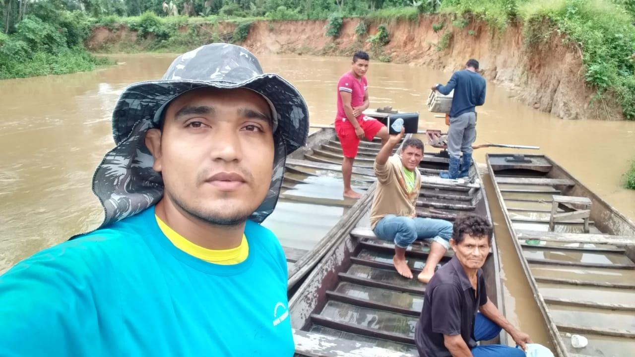 Trabalho missionário na comunidade do rio Rio Acurauá no Acre
