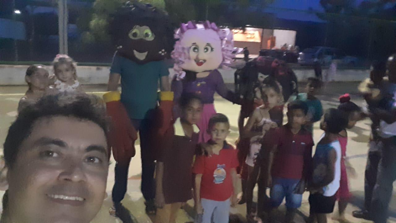 Trabalho de missão no dias das crianças nos povoados de Murici