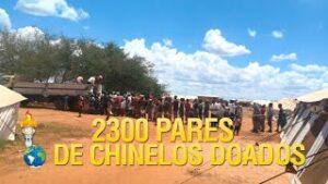 Gideões doa 2300 pares de chinelos para o campo de refugiados de guerra