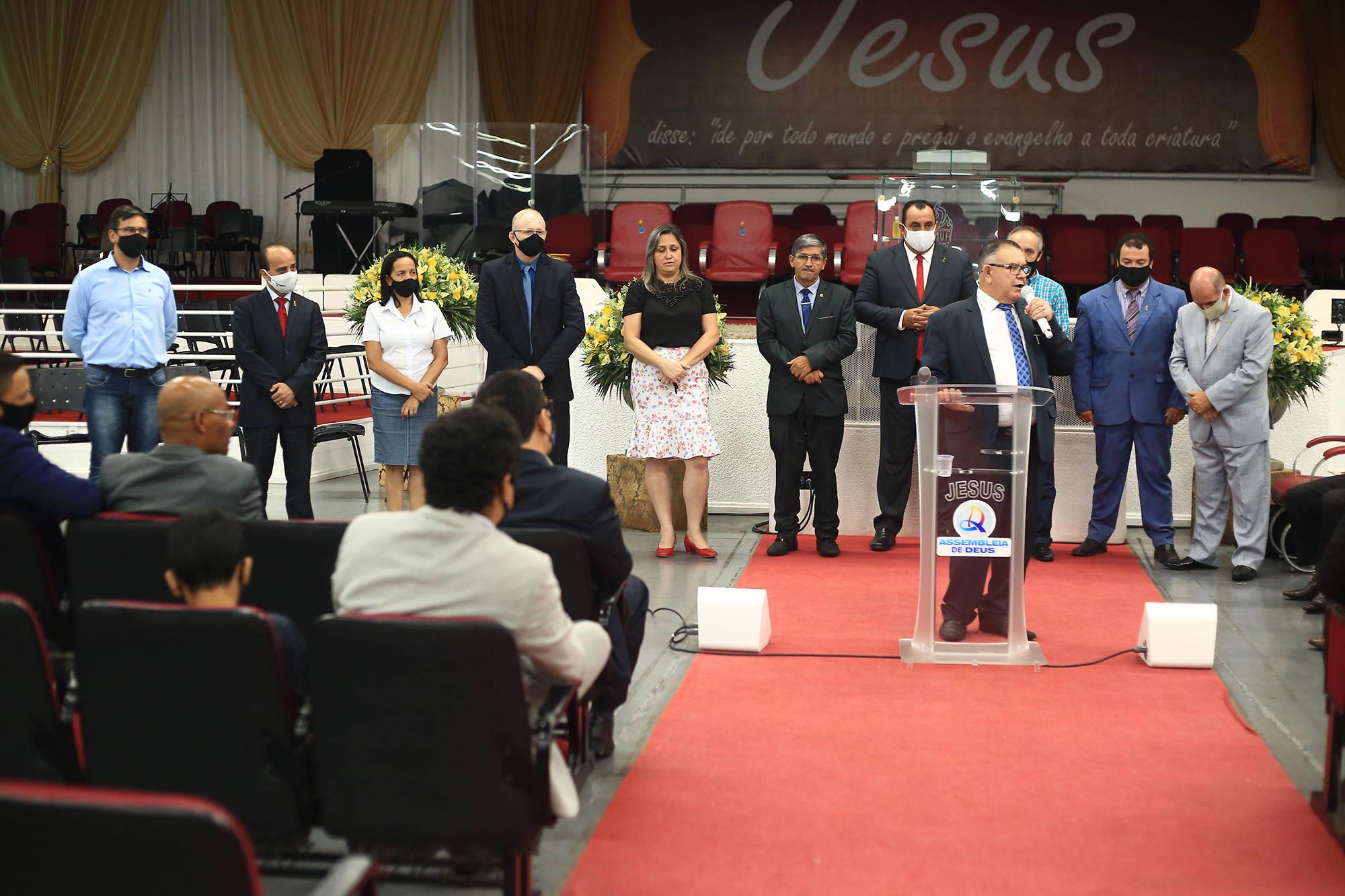 Nova diretoria dos Gideões Missionários da Última Hora
